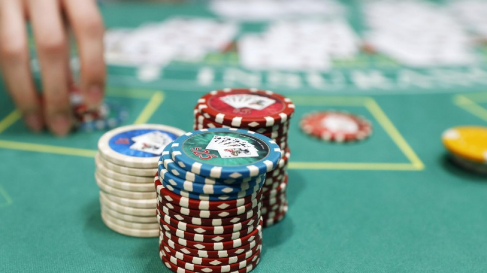Betting Casino Poker Tournaments, Just How When To Re-Raise In MTTs